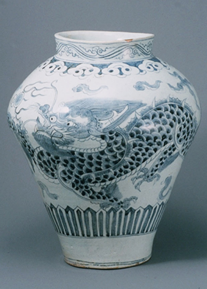White Porcelain Jar1